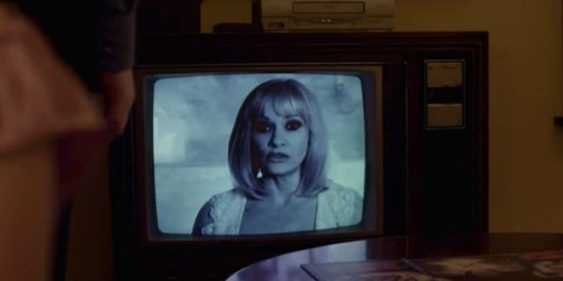 beyond-the-gates-barbara-crampton-820x410